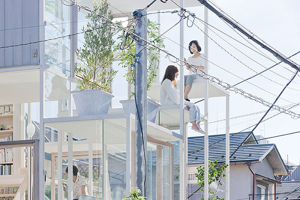 1-AD-Transparent-House-Japan-02