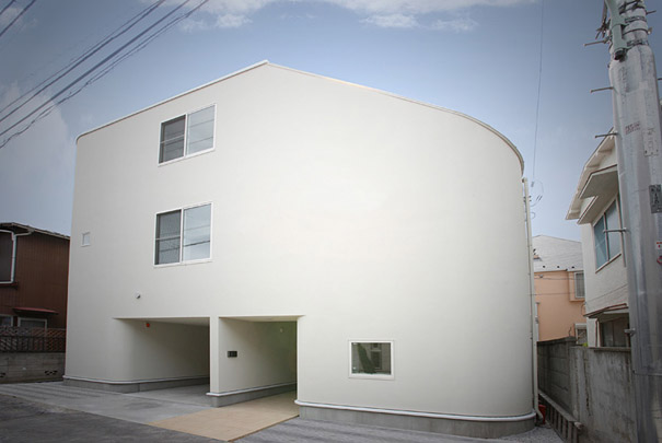 7-AD-Slide-House-Japan-01