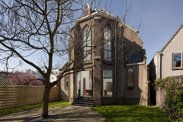 9-AD-Church-Converted-Into-Modern-Family-Home-Holland-01