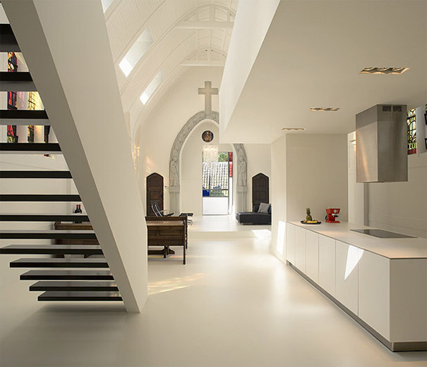9-AD-Church-Converted-Into-Modern-Family-Home-Holland-04