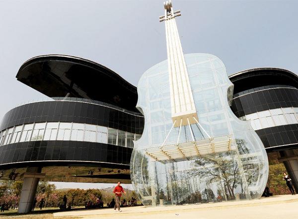 Muzikos-mokykla-kinijoje-06