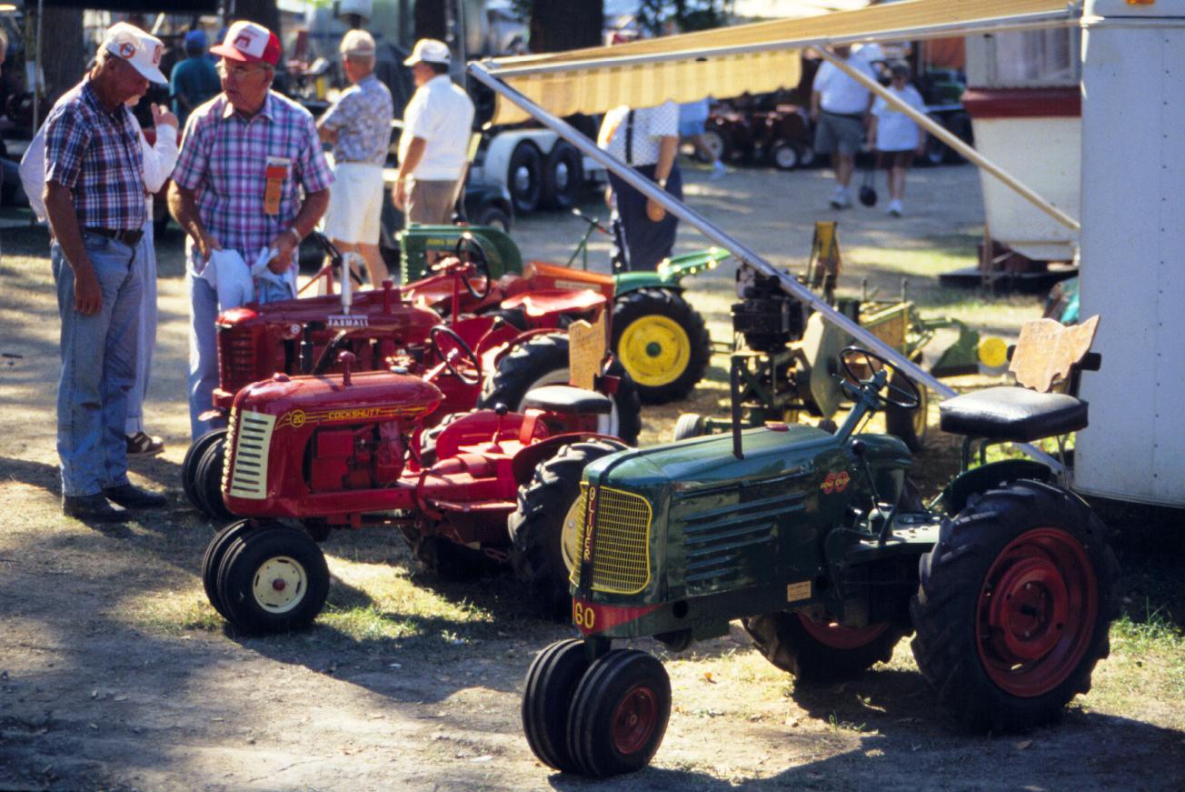 traktoriukai